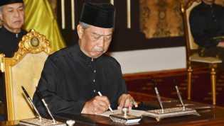 PM Malaysia Dikarantina Setelah Rapat dengan Menteri Positif Corona