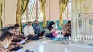 Lebaran Ke-2 Idul Fitri, Wabup Inhil Lakukan Ziarah Ke Makam Syekh Abdurahman Siddiq Bin Muhammad Afif Al Banjari