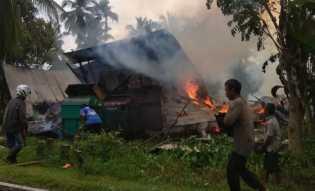 Satu Unit Rumah Warga Pekan Arba Ludes Terbakar