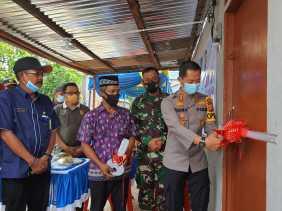 Bersama Marlis Syarif, Kapolres dan Dandim 0314/Inhil Serahkan Kunci Rumah kepada Korban Kebakaran