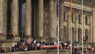 Di Jerman Kalangan Politik Kecam Bendera dan Simbol Nazi di Gedung Parlemen