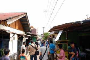 Polda Riau Kerahkan Drone Spraying Khusus untuk Penyemprotan Pemukiman Warga